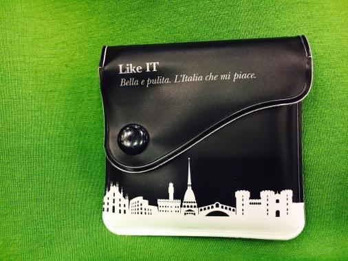 Een 'pocket ashtray', een souvenir uit Venetië van collega Bruno Matthys